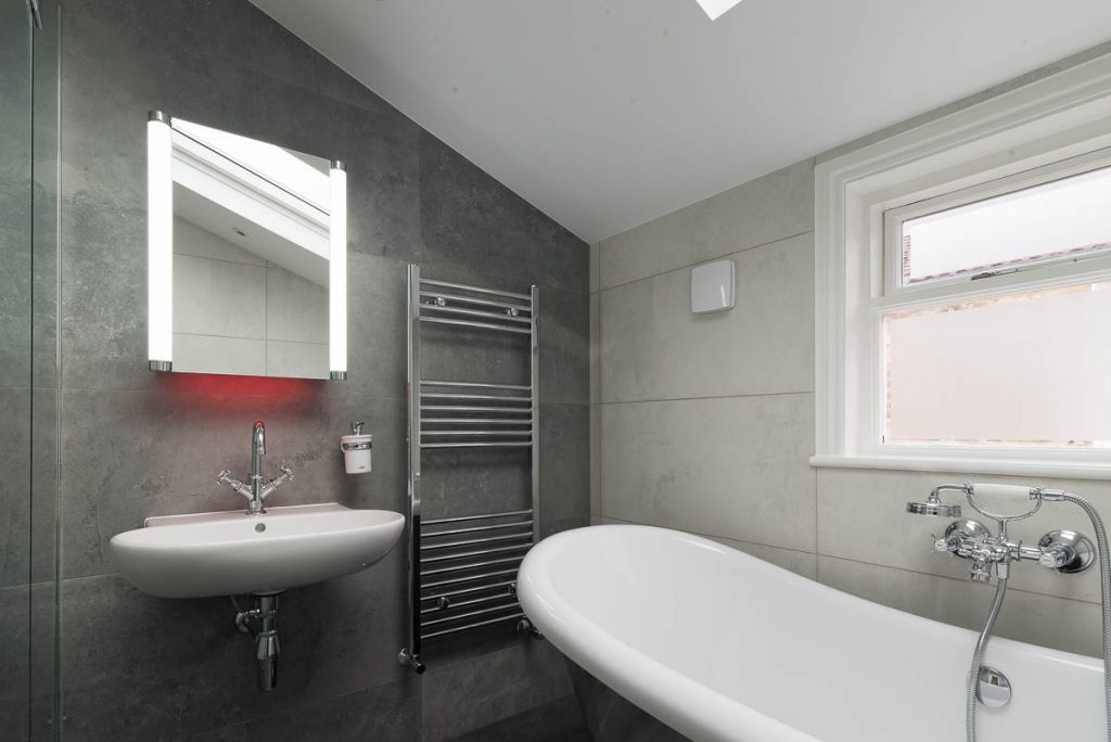 Bathroom kingscourt top atlantic plumbingatlantic plumbing for Best bathrooms on the road